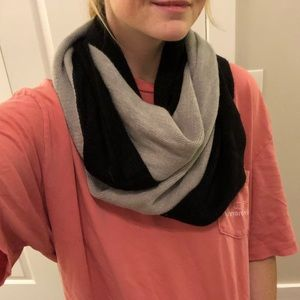 Woven black and gray scarf